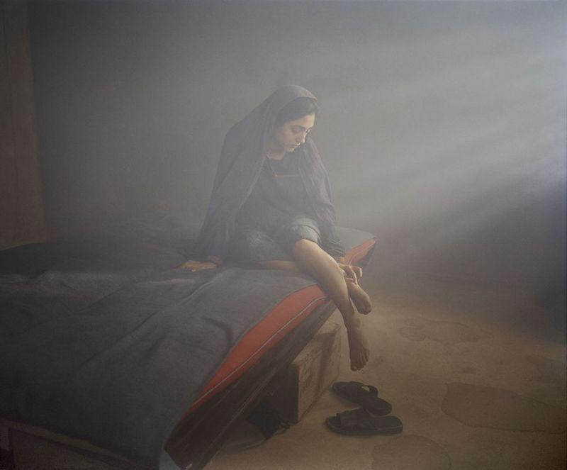 Come pietra paziente: la bellissima Golshifteh Farahani in una suggestiva immagine del film