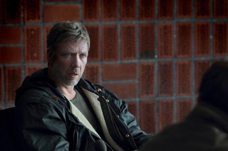 L'ipnotista: Mikael Persbrandt in un drammatico momento del film