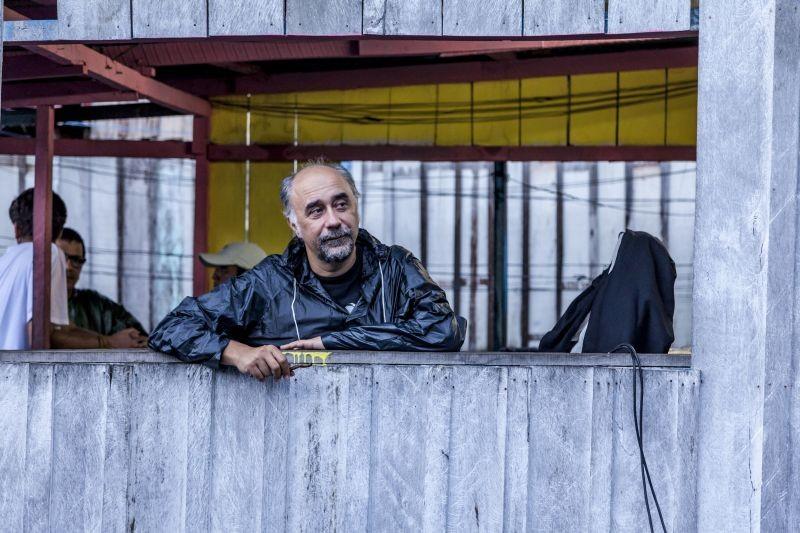 Un giorno devi andare: il regista del film Giorgio Diritti sul set