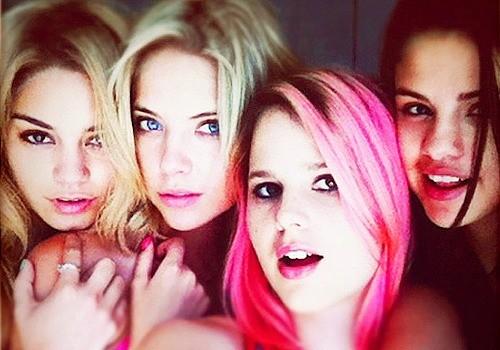 Selena Gomez, Ashley Benson, Rachel Korine e Vanessa Hudgens: bad girls in Spring Breakers