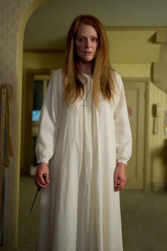 Carrie: Julianne Moore è la mamma di Carrie nel remake dell'horror di Brian De Palma