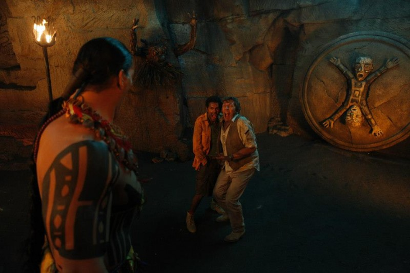 Jamel Debbouze e Alain Chabat terrorizzati in una buffa scena di Marsupilami