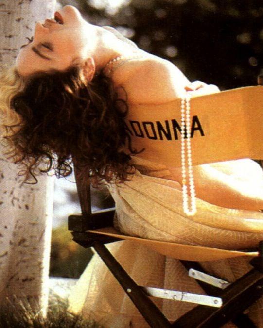 Madonna (1989 - foto P. demarchelier)