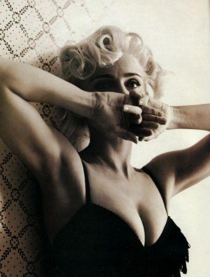 Madonna (1991, foto di Steven Meisel)