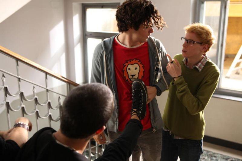 Bianca come il latte, rossa come il sangue - Filippo Scicchitano a scuola in una scena del film