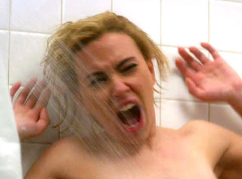 Hitchcock: Scarlett Johansson in una delle scene più famose girate dal maestro e interpretata da Janet Leigh