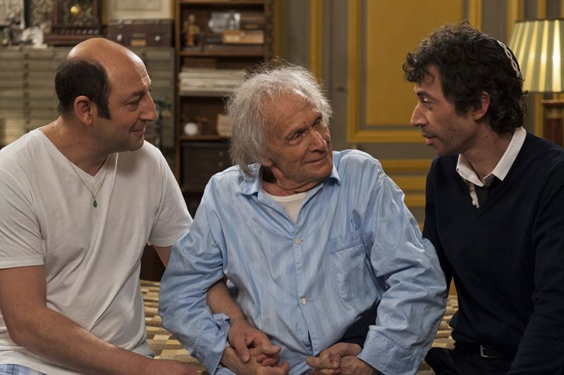 E' successo a Saint-Tropez: Kad Merad insieme a Ivry Gitlis ed Eric Elmosnino in una scena del film