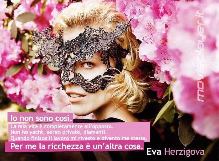 Eva Herzigova - la nostra e-card da condividere sui social network o inviare agli amici!