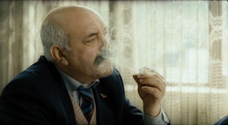 Muffa: Ercan Kesal in una scena