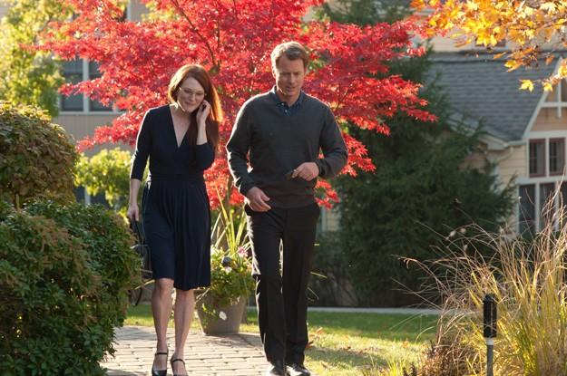 The English Teacher: Julianne Moore e Greg Kinnear passeggiano tra i colori dell'autunno
