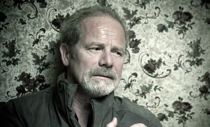 Welcome to the Punch: Peter Mullan in una scena