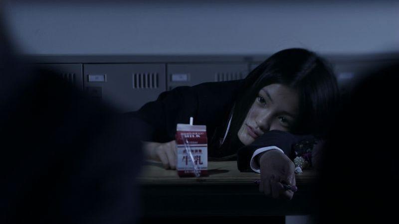 Confessions: una delle studentesse del film in una scena