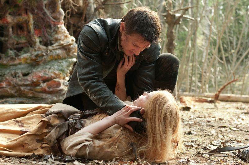 Jeremy Renner e Pihla Viitala in Hansel & Gretel - Cacciatori di streghe