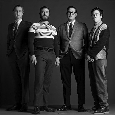 Mad Men: Aaron Staton, Jay R. Ferguson, Rich Sommer e Ben Feldman in una immagine promozionale della stagione 6