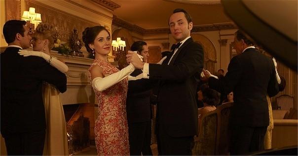 Mad Men: Alison Brie e Vincent Kartheiser in una foto promozionale della stagione 6