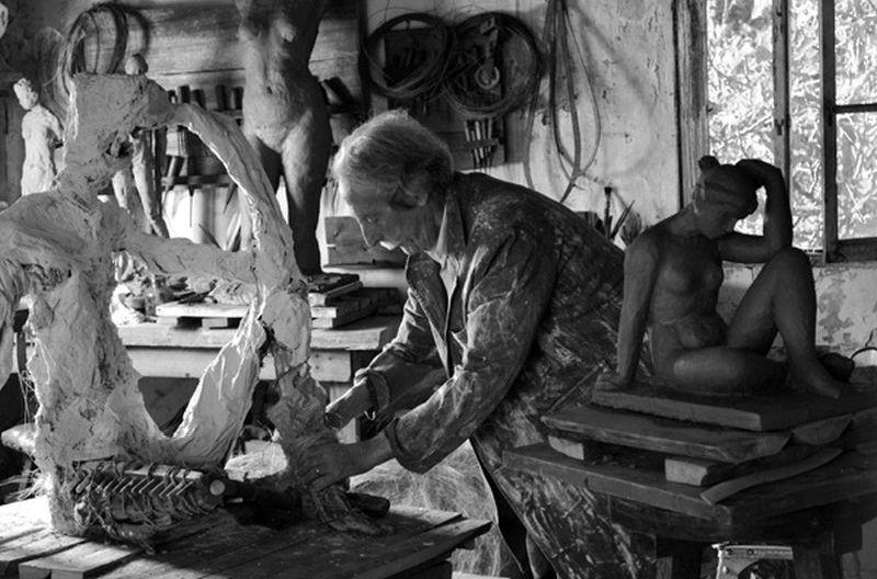 Jean Rochefort all'opera in una scena del dramma spagnolo El artista y la modelo
