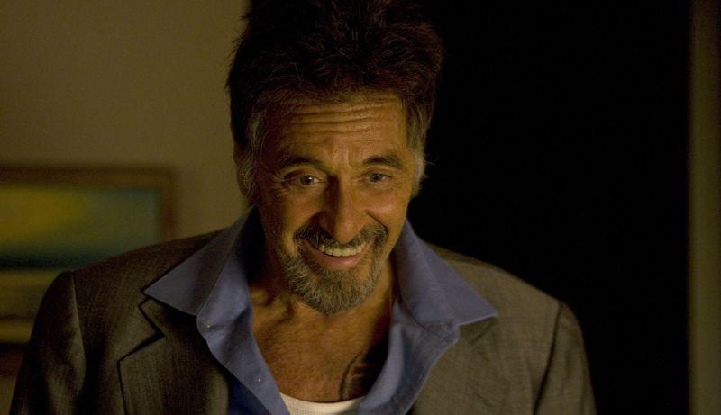 Stand Up Guys: il sorriso di Al Pacino in una scena del film
