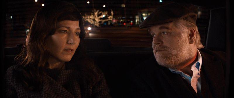 Una fragile armonia: Philip Seymour Hoffman e Catherine Keener in una scena