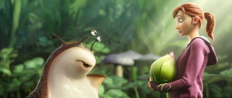 Epic: la lumaca Mub con Mary Katherine in una scena del colorato film animato diretto da Chris Wedge