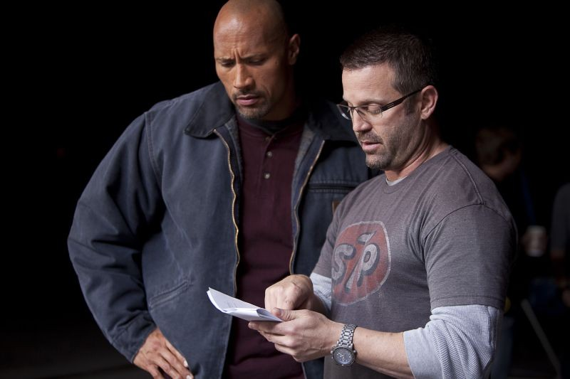 Snitch - L'infiltrato: Dwayne 'The Rock' Johnson insieme al regista Ric Roman Waugh sul set