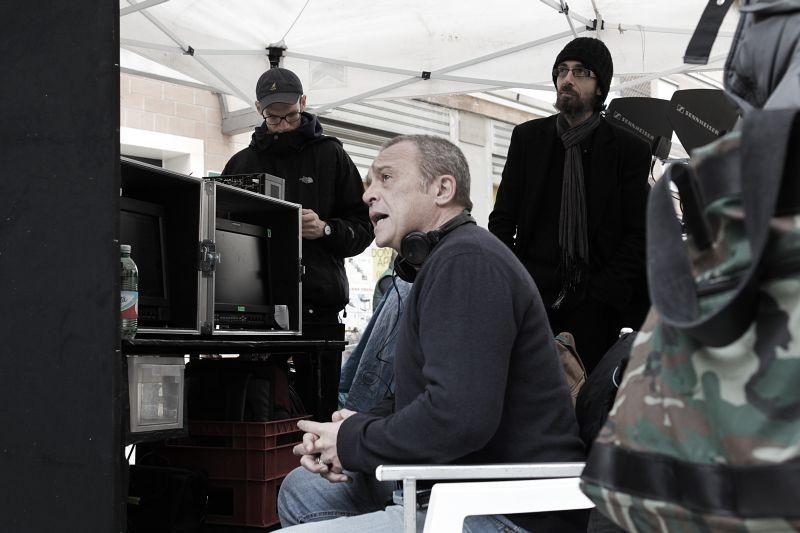 La mossa del pinguino: il regista del film Claudio Amendola sul set