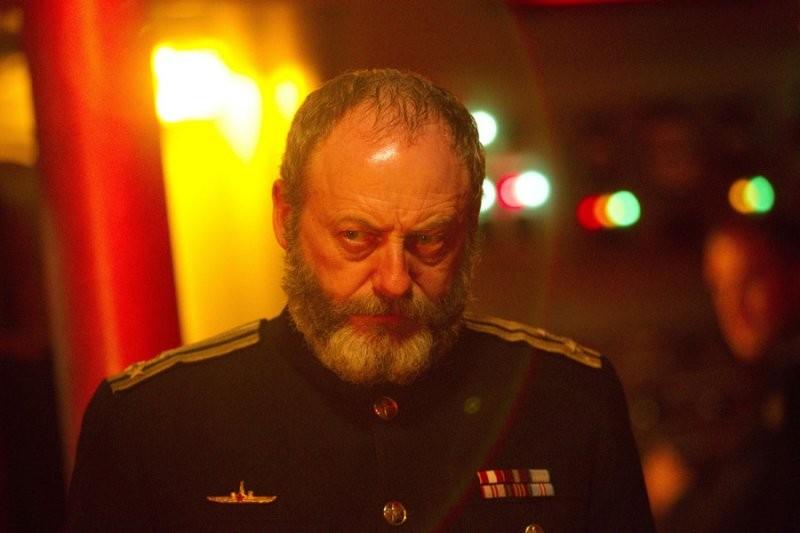 Liam Cunningham in una scena dell'episodio Cold War, settima stagione di Doctor Who