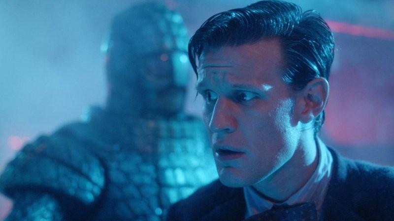 Matt Smith affronta il pericolo nell'episodio Cold War, settima stagione di Doctor Who