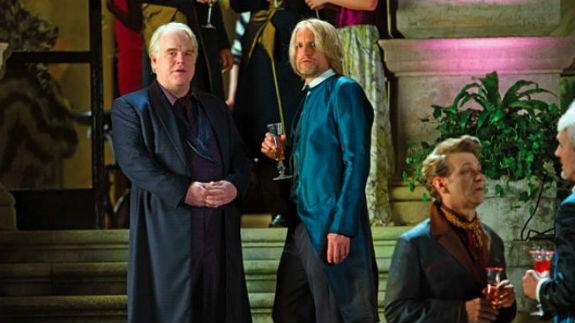 Hunger Games: la ragazza di fuoco - Philip Seymour Hoffman e Woody Harrelson in una scena del film