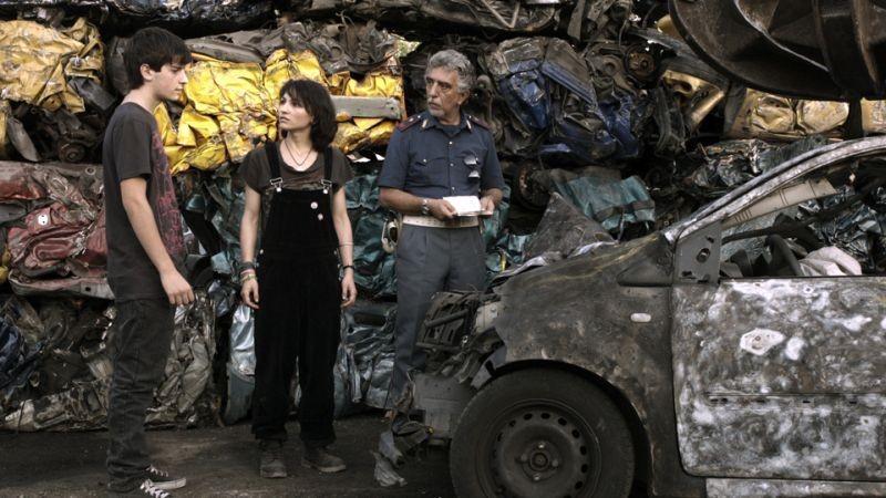 Il futuro: Luigi Ciardo con Manuela Martelli in una scena del film