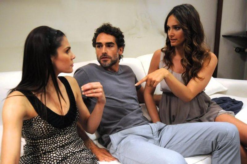 La finestra di Alice: Francesca Giordano con Clizia Fornasier e Sergio Muñiz in una scena