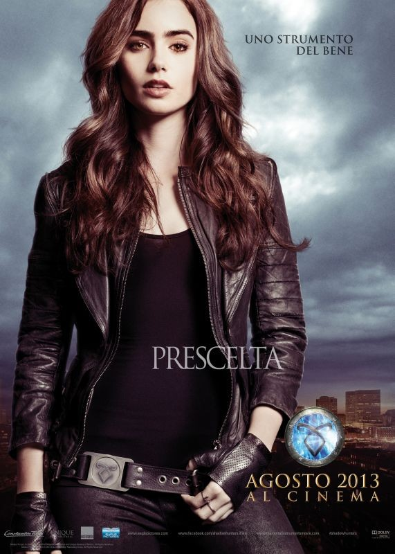 Shadowhunters - Città di ossa: il character poster italiano di Lily Collins (Clary)