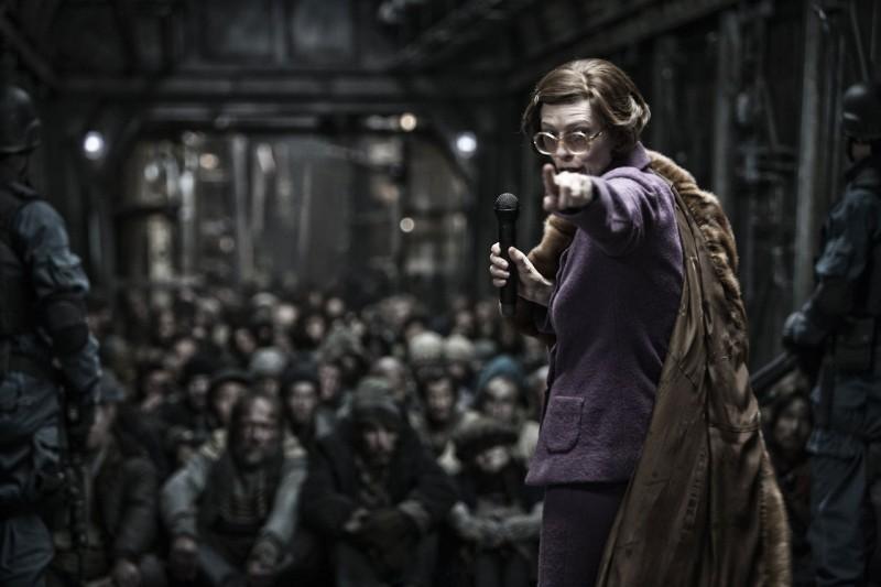 Snowpiercer: Tilda Swinton in un momento del film