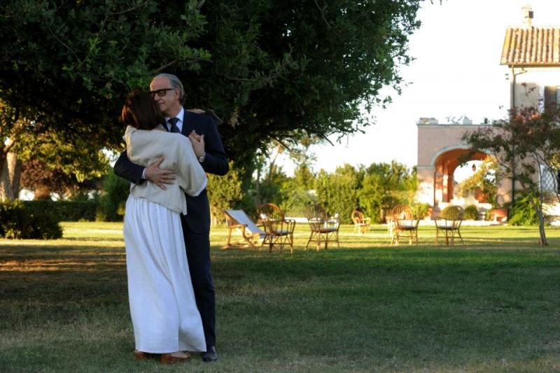 La grande bellezza: Toni Servillo balla con Galatea Ranzi in una scena del film