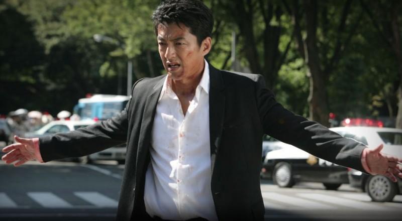 Shield of Straw: Takao Osawa in una scena del film action di Takashi Miike