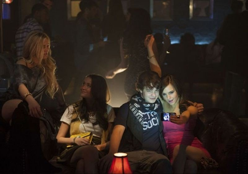 The Bling Ring: Emma Watson, Israel Broussard, Katie Chang e Claire Julien in una scena