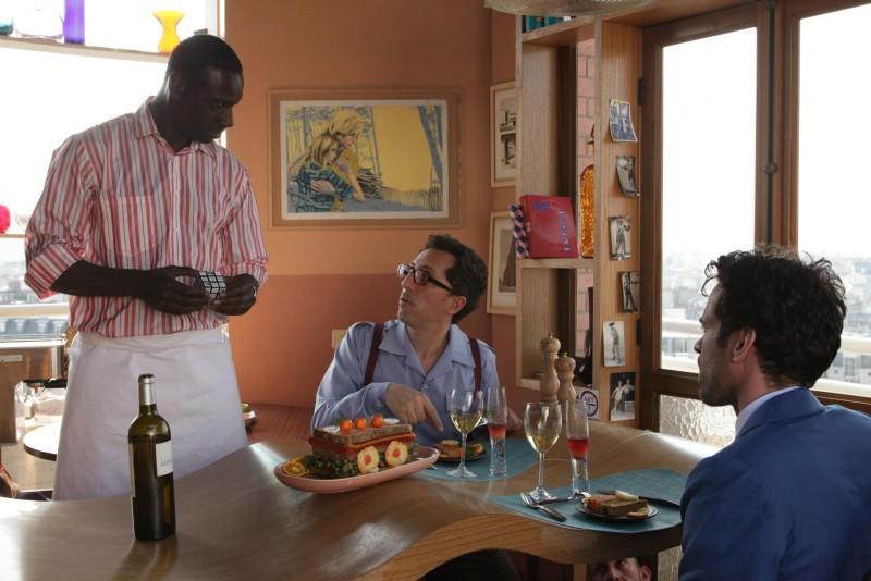 Nicolas (Omar Sy), Chick (Gad Elmaleh) e Colin (Romain Duris) in Mood Indigo - La schiuma dei giorni