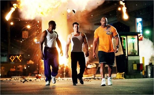 Mark Wahlberg, Anthony Mackie e Dwayne Johnson in Pain & Gain di Michael Bay