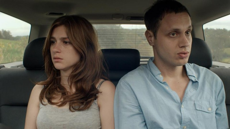 The Happy House: Khan Baykal  e Aya Cash in una scena