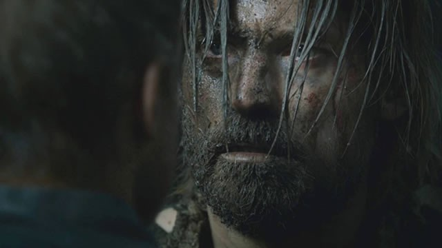 Il trono di spade: Nikolaj Coster-Walda in una scena dell'episodio Kissed by Fire
