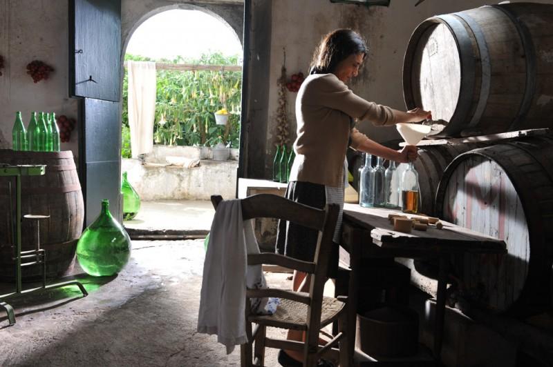 Angela Molina in una scena del dramma Amaro Amore