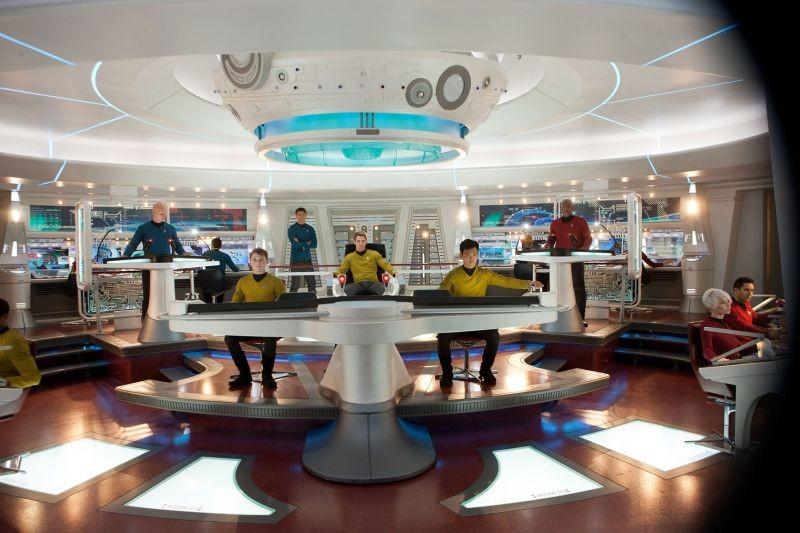 Into Darkness - Star Trek: l'equipaggio dell'Enterprise in una scena
