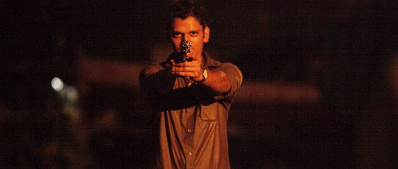 Monsoon Shootout: Vijay Varma in una scena