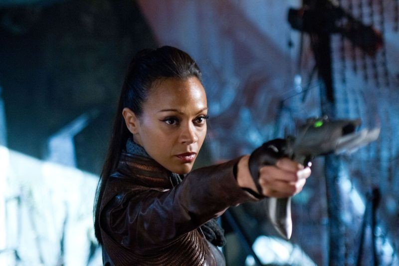 Zoe Saldana in Star Trek Into Darkness nei panni di Uhura