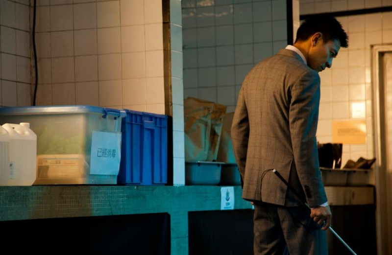 Blind Detective: Andy Lau in una scena del film d'azione di Johnnie To