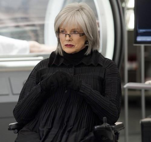 Fringe: Blair Brown in un momento nell'episodio Anomaly XB-6783746