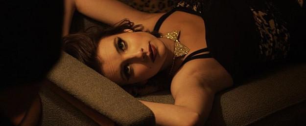 Adult World: Emma Roberts in un'immagine sexy