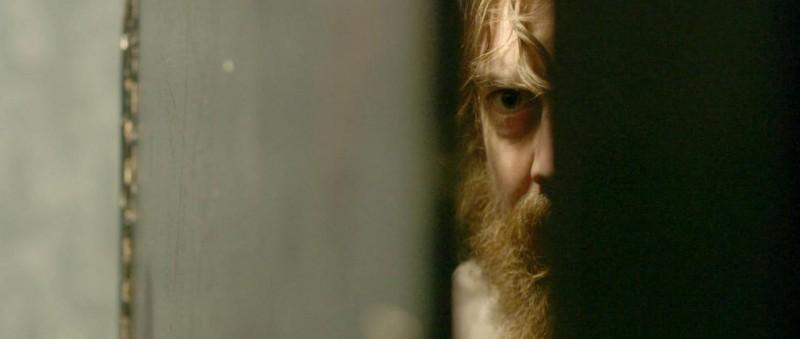 Blue Ruin: il protagonista Macon Blair in un'inquietante immagine