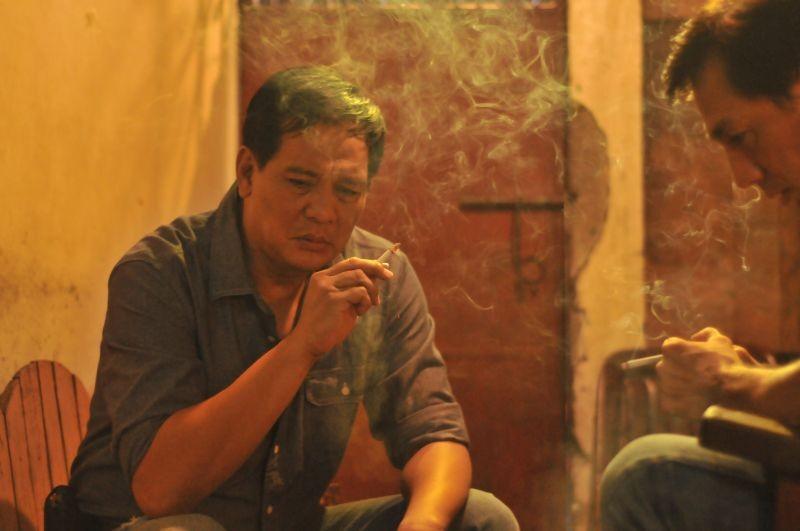 On the job: Joey Marquez in una scena