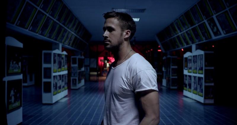 Ryan Gosling in una scena del film Only God Forgives