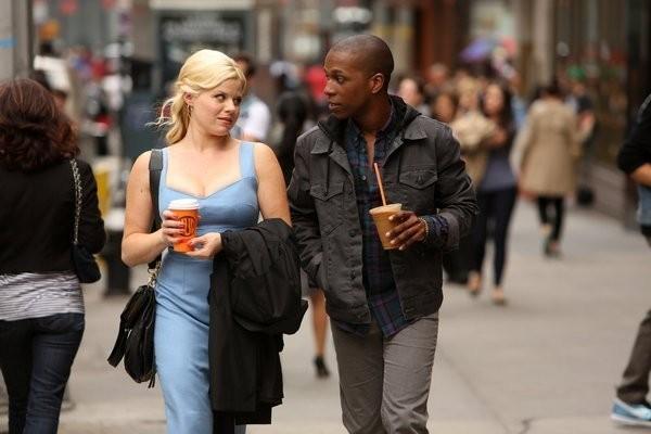 Smash: Leslie Odom Jr. e Megan Hilty in una scena dell'episodio On Broadway